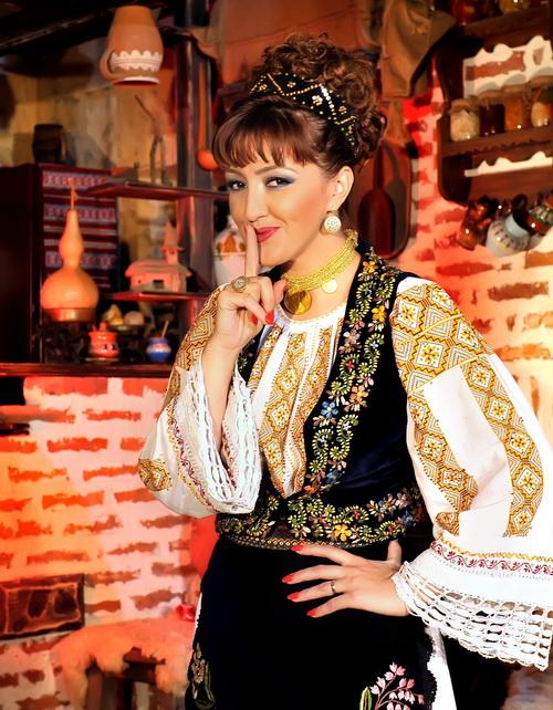 Ionela Anghel Popa b